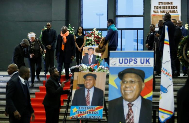 Mourners pay tribute to Democratic Republic of Congo's veteran opposition leader Etienne Tshisekedi during a ceremony in Brussels, Belgium February 5, 2017. REUTERS/Francois Lenoir