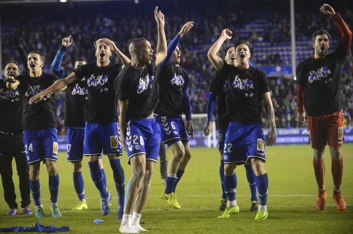 Football Soccer - Alaves v Celta Vigo - Spanish King's Cup Semi-final second leg - Mendizorroza, Vitoria, Spain, 08/02/17 Alaves' players celebrate victory REUTERS/Vincent West