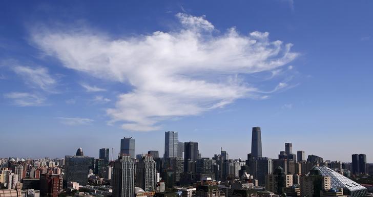 图为2013年9月拍摄的北京中央商务区全景。REUTERS/Petar Kujundzic