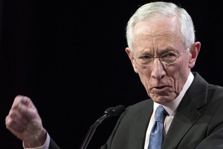 FILE PHOTO:U.S. Federal Reserve Vice Chair Stanley Fischer addresses The Economic Club of New York in New York March 23, 2015. REUTERS/Brendan McDermid/File Photo