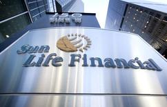 The logo of Sun Life Financial is seen in Toronto May 6, 2015.    REUTERS/Fred Thornhill/File Photo