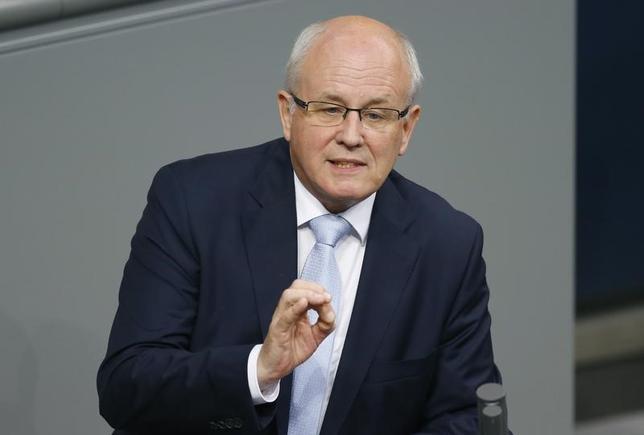 2月17日、ドイツ与党のカウダー議会院内総務(写真)は、トランプ米大統領が報復関税を課すようなことがあれば、欧州も対応が必要との見解を示した。写真は2015年4月ベルリンで撮影(2017年 ロイター/Axel Schmidt)