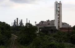 Vista geral da Usiminas, maior produtora de aços planos do país em capacidade instalada, em Cubatão.   04/04/2016   REUTERS/Paulo Whitaker
