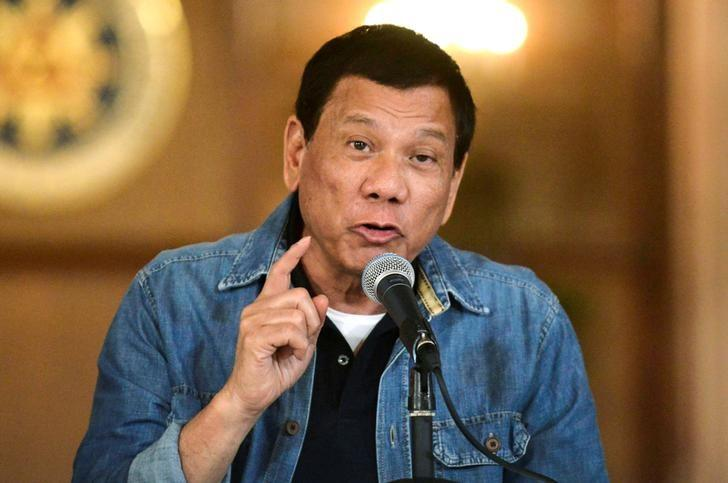 Philippine President Rodrigo Duterte announces the disbandment of police operations against illegal drugs at the Malacanang palace in Manila, Philippines early January 30, 2017. REUTERS/Ezra Acayan/File Photo