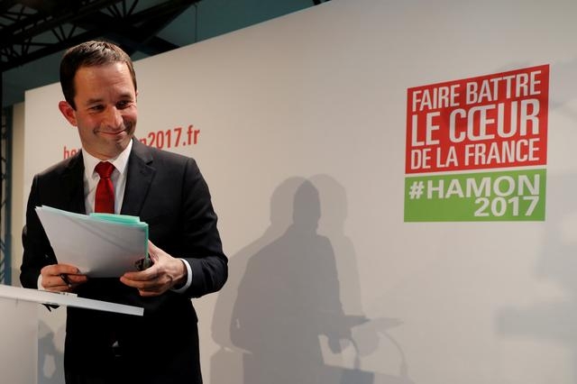 FILE PHOTO: French Socialist party 2017 presidential candidate Benoit Hamon leaves a news conference to present his campaign team for the forthcoming Presidential elections in Paris, France February 11, 2017.  REUTERS/Philippe Wojazer/File Photo