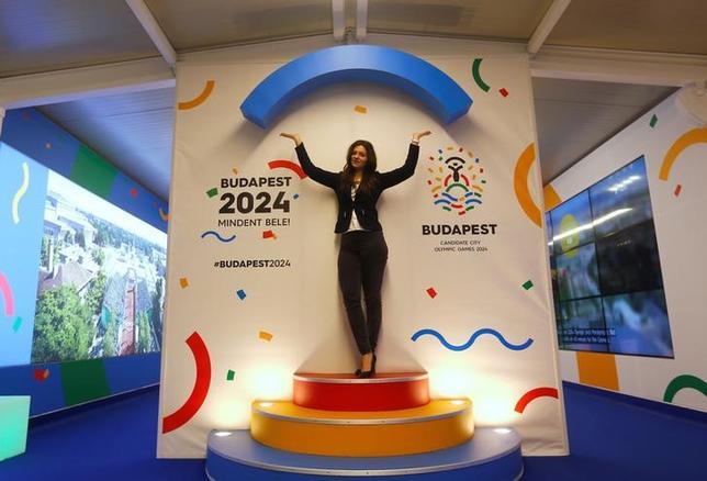 2月17日、2024年夏季五輪開催を目指しているハンガリーの首都ブダペストのタルローシュ市長は、来週中にも立候補を取り下げる可能性があると明かした。写真はハンガリーの五輪ロゴ。ブダペストで1月撮影(2017年 ロイター/Laszlo Balogh)