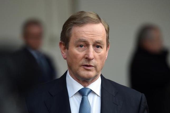 2月20日、アイルランドのヌーナン財務相は、ケニー首相(写真)が22日の統一アイルランド党の会合で辞任時期を発表する見通しだと明らかにした。ダブリンで昨年11月撮影(2017年 ロイター/Clodagh Kilcoyne)