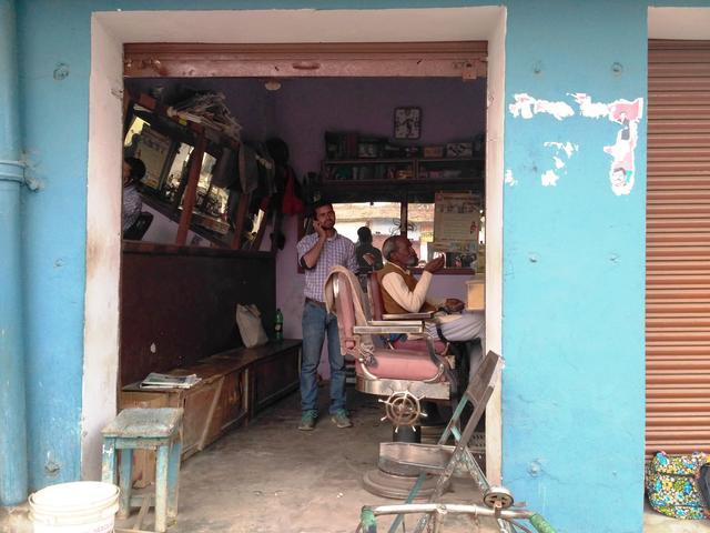 A barber's shop near Krishan Talkies. Photo by Zeyad Khan
