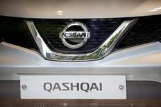 Автомобиль Nissan Qashqai в дилерском центре в Сеуле 16 мая 2016 года. Росстандарт сообщил в понедельник, что получил информацию от Ниссан Мэнуфэкчуринг РУС об отзыве 33.275 авто марки Nissan Qashqai.  REUTERS/Kim Hong-Ji/File Photo