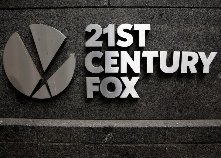 The 21st Century Fox  logo is seen outside the News Corporation headquarters in Manhattan, New York, U.S., April 29, 2016.  REUTERS/Brendan McDermid/File Photo