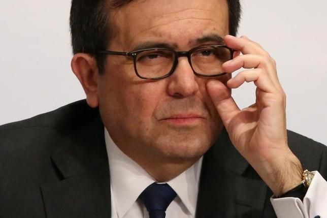 3月2日、メキシコのグアハルド経済相は3日、米ミシガン州のデトロイトを訪問し、フォード・モーターやゼネラル・モーターズ(GM)の幹部らと会談する。1日撮影(2017年 ロイター/Edgard Garrido)