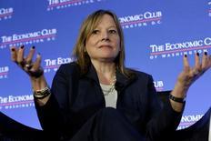 Mary Barra, presidenta ejecutiva y presidenta del directorio de General Motors, habla sobre el futuro del sector en una conferencia en Washington. 28 de febrero de 2017. REUTERS/Yuri Gripas