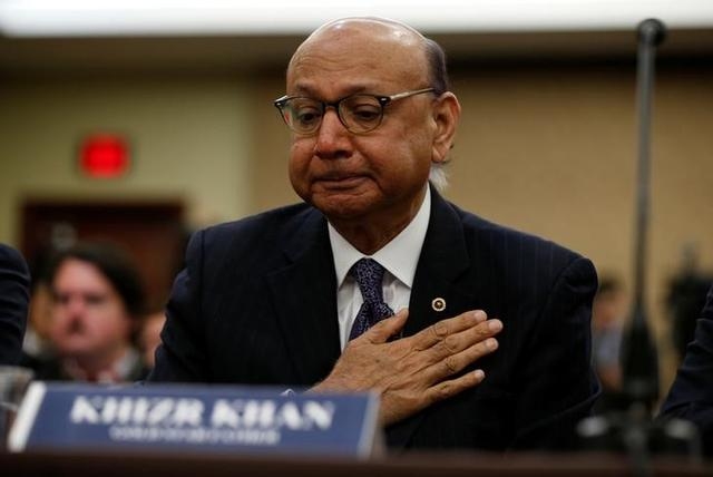 Gold-Star father Khizr Khan, father of U.S. Army Captain Humayun Khan who was killed in 2004 in Iraq, puts his hand to his heart as he takes part in a discussion panel on the Muslim and refugee ban in the U.S. Capitol in Washington February 2, 2017.  REUTERS/Kevin Lamarque