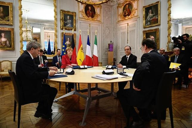 3月7日、仏独伊スペインの首脳は6日、仏ベルサイユ宮殿で非公式首脳会議を開き、EUの将来について、加盟国間で統合スピードを多様化する案を支持する立場を表明した(2017年 ロイター/Martin Bureau)