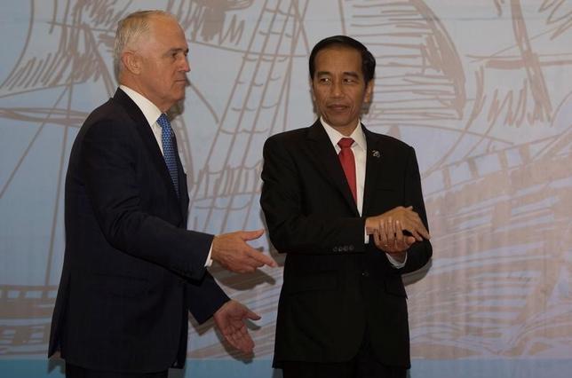 3月7日、オーストラリアのターンブル首相は、同国はインドネシアと海洋安全保障について一段と緊密に協力していくことを目指しているが、南シナ海を合同パトロールする計画はないと述べた。環インド洋連合首脳会議での両首脳。提供写真(2017年 ロイター)
