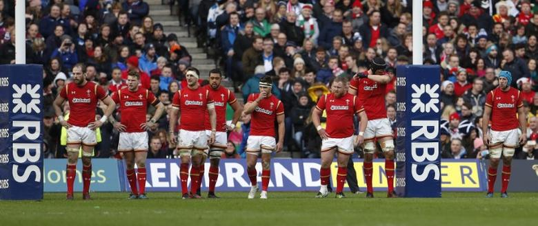 Britain Rugby Union - Scotland v Wales - Six Nations Championship - BT Murrayfield Stadium, Edinburgh - 25/2/17 Wales players look dejected after conceding their second try Action Images via Reuters / Lee Smith Livepic