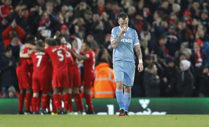 Britain Football Soccer - Liverpool v Stoke City - Premier League - Anfield - 27/12/16 Stoke City's Glenn Whelan looks dejected after Giannelli Imbula scored an own goal and the third goal for Liverpool Reuters / Darren Staples Livepic