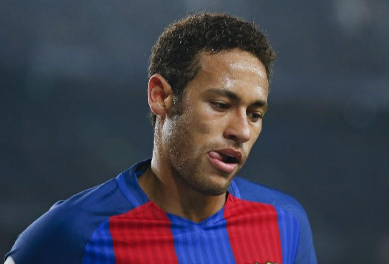Football Soccer - Barcelona v Leganes - Spanish La Liga Santander - Camp Nou stadium, Barcelona, Spain - 19/02/17 - Barcelona's Neymar reacts during the match against Leganes.  REUTERS/Albert Gea