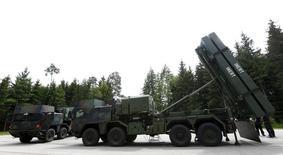 Lockheed Martin et le missilier européen MBDA vont créer une nouvelle coentreprise pour gérer le projet de missiles anti-aériens MEADS (photo) en Allemagne et rassurer ainsi le gouvernement sur la capacité de MDBA à le mener à bien. /Photo d'archives/REUTERS/Michaela Rehle