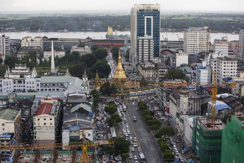 FILE PHOTO: View of downtown Yangon, Myanmar September 23, 2015. REUTERS/Soe Zeya Tun/File photo