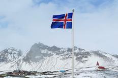 L'Islande a levé mardi les dernières mesures de contrôle des changes, une décision qui met fin à plus de huit années de restrictions concernant les particuliers, les entreprises et les fonds de pension, mises en place après l'effondrement des banques pendant la crise financière de 2008. /Photo d'archives/REUTERS/Lucas Jackson