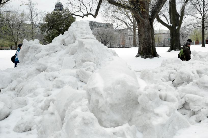 Blizzard blankets northeast US with late-season snow