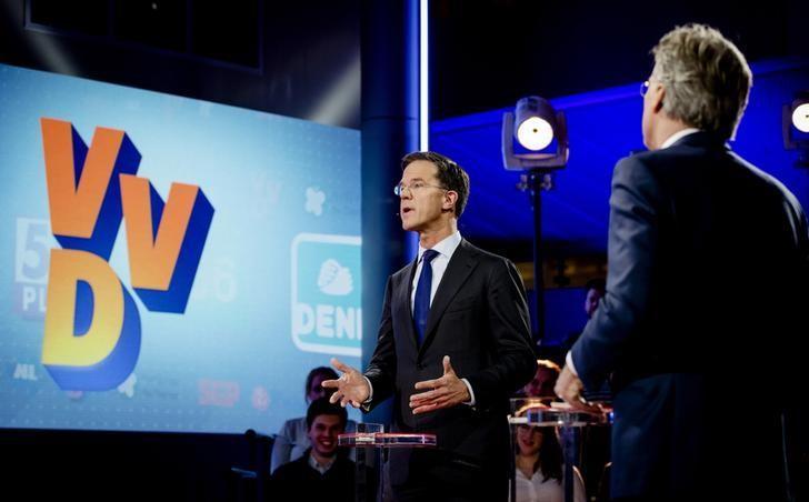 3月14日,荷兰首相、中右翼自民党(VVD)领导人吕特(Mark Rutte)在海牙参加辩论会。REUTERS/Robin Van Lonkhuijsen