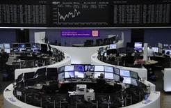 Les principales Bourses européennes évoluent en légère hausse mercredi dans les premiers échanges. À Paris, l'indice CAC 40 progresse de 0,15% vers 09h06 GMT. À Francfort, le Dax gagne 0,25% et à Londres et le FTSE progresse de 0,16%. /Photo prise le 14 mars 2017/REUTERS