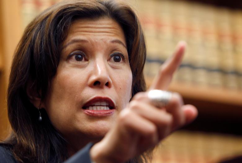 FILE PHOTO: Sacramento appeals court justice Tani Cantil-Sakauye gestures during a news conference after being unanimously confirmed to become the state's next chief justice in San Francisco, California August 25, 2010. REUTERS/Robert Galbraith/File Photo