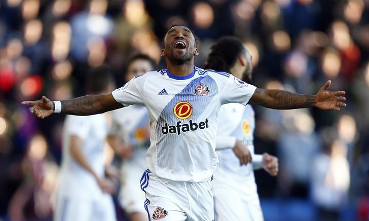 Britain Football Soccer - Crystal Palace v Sunderland - Premier League - Selhurst Park - 4/2/17 Sunderland's Jermain Defoe celebrates after scoring Reuters / Andrew Winning/ Livepic/ Files