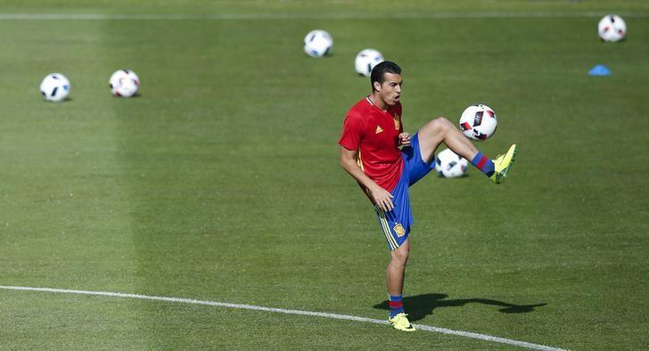 Football Soccer - Euro 2016 - Spain Training - Complexe Sportif Marcel Gaillard, Saint Martin de Re, France - 24/6/16 - Spain's Pedro Rodriguez attends a training session. REUTERS/Albert Gea/File Photo