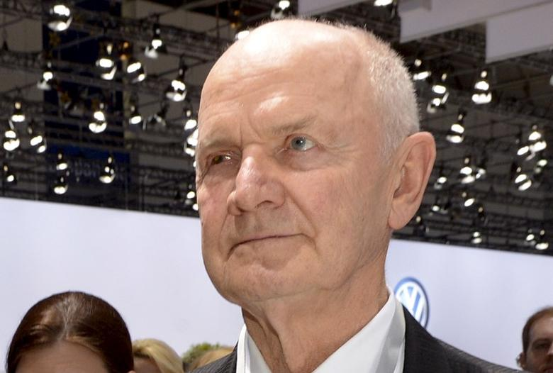 FILE PHOTO: Ferdinand Piech arrives at the annual shareholders meeting in Hanover in this April 25, 2013 file photo.  REUTERS/Fabian Bimmer/Files