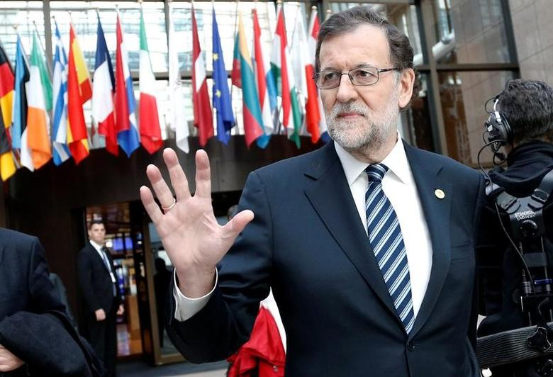 Spanish Prime Minister Mariano Rajoy leaves a European Union leaders summit in Brussels, Belgium March 10, 2017. REUTERS/Francois Lenoir