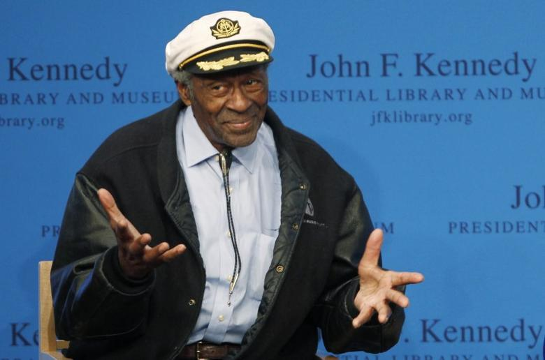 Chuck Berry gestures to the audience at the 2012 Awards for Song Lyrics of Literary Excellence awarded to both he and Leonard Cohen at the John F. Kennedy Presidential Library and Museum in Boston, Massachusetts February 26, 2012. REUTERS/Jessica Rinaldi