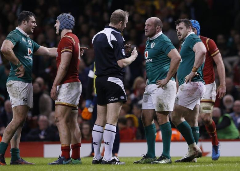 Wales v Ireland - Six Nations Championship - Principality Stadium, Cardiff - 10/3/17 Ireland's Rory Best speaks with referee Wayne Barnes Action Images via Reuters / Andrew Boyers Livepic