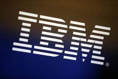 """IBM, à suivre à Wall Street. Le géant technologique a annoncé dimanche un accord de coentreprise avec le conglomérat chinois Dalian Wanda Group en vue de proposer les services d'informatique dématérialisée (""""cloud"""") d'IBM en Chine. /Photo d'archives/REUTERS/Lucy Nicholson"""