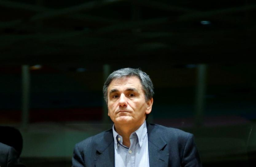 Greek FinMin to remain in Brussels to pursue a deal with lenders