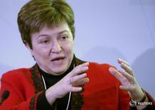 Глава Всемирного банка Кристалина Георгиева на форуме в Давосе 20 января 2017 года. Кристалина Георгиева, недавно занявшая пост главы Всемирного банка, в ходе первого официального визита в Китай решительно высказалась в поддержку глобализации, сказав, что она помогает и бедным, и богатым странам, а экономическая интеграция не позволяет государствам оставаться в стороне. REUTERS/Ruben Sprich