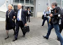 Ferdinand Piech and his wife Ursula arrive at the annual VW shareholders meeting in Hanover, May 2014.   REUTERS/Fabian Bimmer