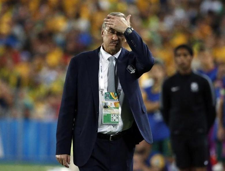 South Korea's coach Uli Stielike reacts during their Asian Cup final soccer match against Australia at the Stadium Australia in Sydney January 31, 2015.  REUTERS/Jason Reed/File Photo