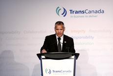 Russ Girling, PDG de l'entreprise énergétique TransCanada. Le département d'Etat américain a délivré vendredi un permis à la société TransCanada pour construire l'oléoduc Keystone XL entre le Canada et les Etats-Unis, a déclaré l'entreprise énergétique canadienne. /Photo d'archives/REUTERS/Todd Korol