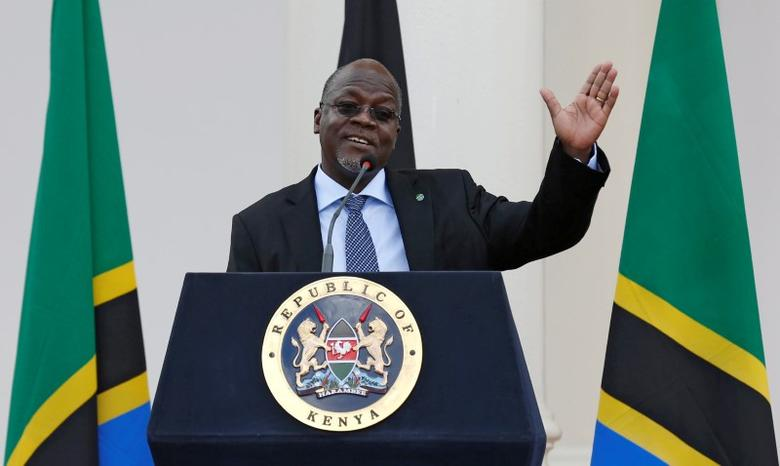 FILE PICTURE: Tanzania's President John Magufuli addresses a news conference during his official visit to Nairobi, Kenya October 31, 2016. REUTERS/Thomas Mukoya/File Photo