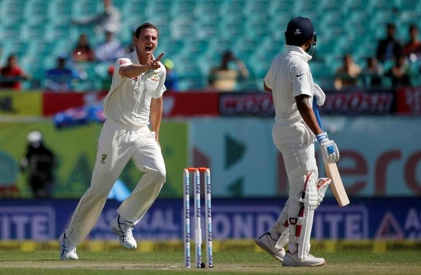 India lose opener Vijay to reach 64-1 at lunch against Australia