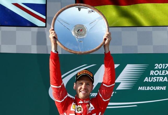 3月26日、自動車レースF1の今季開幕戦、オーストラリア・グランプリ(GP)はメルボルンで決勝を行い、個人総合4回制覇のセバスチャン・フェテル(ドイツ、フェラーリ)が優勝し、通算43勝目を飾った(2017年 ロイター/Brandon Malone)