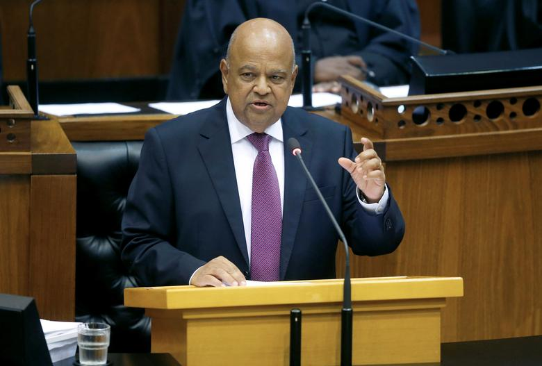 Finance Minister Pravin Gordhan delivers his 2017 Budget Speech to Parliament in Cape Town, South Africa, February 22, 2017. REUTERS/Mike Hutchings/Files