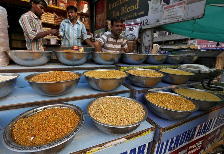 Pulses are kept on display for sale in a shop at a market in Ahmedabad, India, June 20, 2015. REUTERS/Amit Dave/Files