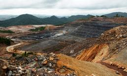 FILE PHOTO --  An overview of Barrick Gold Corporation's Pueblo Viejo gold mine, one of the world's largest, is seen in Cotui December 11, 2013.  Picture taken December 11, 2013. REUTERS/Ricardo Rojas/File Photo