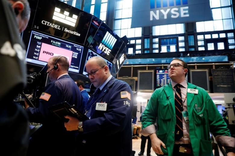 2017年3月21日,美国纽约,纽约证交所内交易员忙碌场景。REUTERS/Lucas Jackson