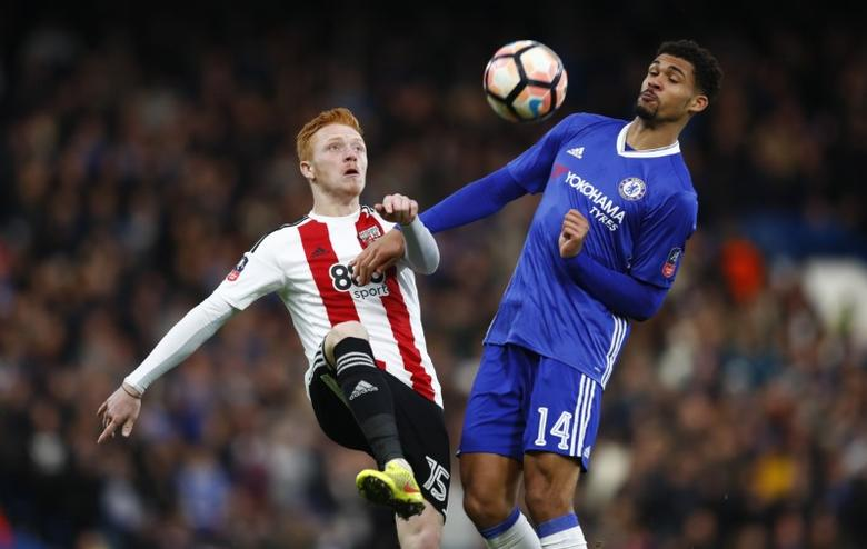 Chelsea v Brentford - FA Cup Fourth Round - Stamford Bridge - 28/1/17 Brentford's Ryan Woods in action with Chelsea's Ruben Loftus-Cheek  Reuters / Eddie Keogh Livepic