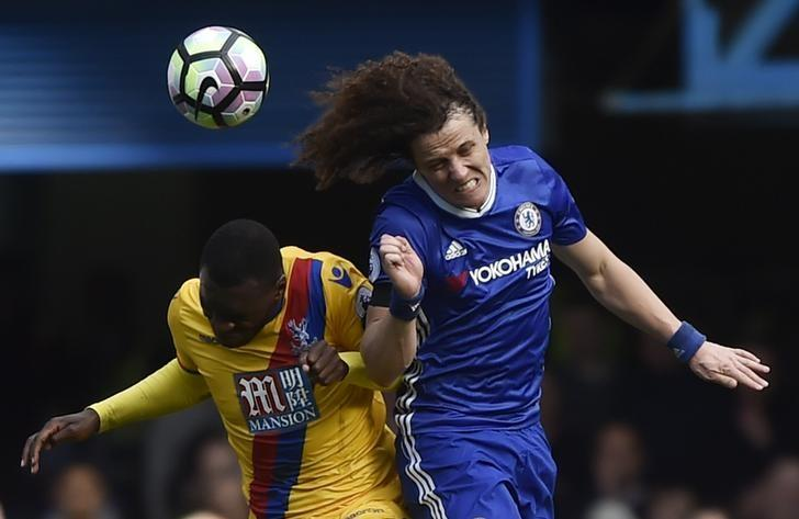 Britain Soccer Football - Chelsea v Crystal Palace - Premier League - Stamford Bridge - 1/4/17 Chelsea's David Luiz in action with Crystal Palace's Christian Benteke  Reuters / Hannah McKay Livepic